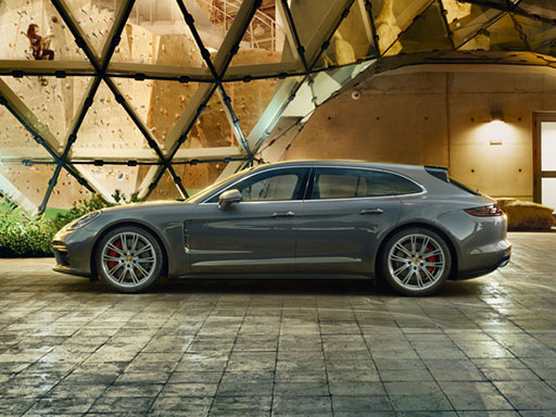 Venture on. The new Panamera Sport Turismo.